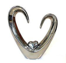cb112 Figura,Escultura Objeto con el corazón hecho de cerámica plata altura 24cm