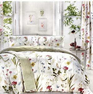 Dreams & Drapes Luxury Duvet Cover, Pillowcase (Spring Glade)Super King