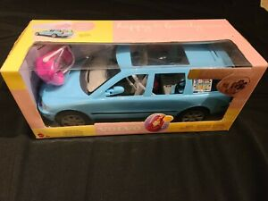 GREAT N.I.B. 2002 MATTEL BARBIE HAPPY FAMILY VOLVO CAR VEHICLE