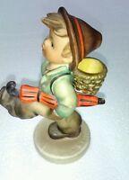Globe Trotter 79 Hummel Figurine