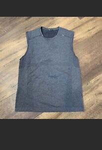 Lululemon Metal Vent Tech Sleeveless Tank Top Athletic Shirt Medium Grey
