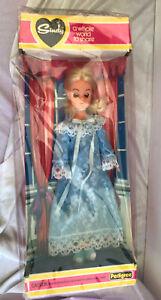 Pedigree Sindy Doll Boxed Sweet Dreams Sindy Sleepy Eyes Blue Outfit 1979 Box