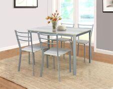 Table de cuisine avec ses chaises :)