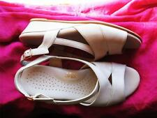 SAS SHOES TRIPAD COMFORT CARRES BONE SANDALS W BUCKLES!S 9,5N/41! MADE IN USA !