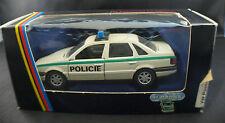 Schabak 1017 ◊ VW Passat Policie ◊ 1/43◊ boxed/en boîte