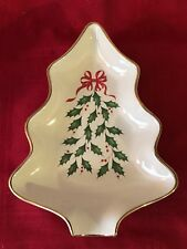 Lenox Holly Berry Christmas Tree Shaped Candy Dish 8� X 5� Gold Trim