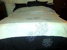 King BED COMFORTER Leaves SHADES OF DARK & LIGHT PURPLE Leaf Design BEDDING