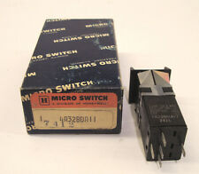 MICRO SWITCH 4A32BDA11 Series 4 - Pushbutton Switch *NEW IN BOX*
