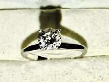 Classic Round Cut Diamond Solitare Engagement Ring 14k White Gold 0.82ct.