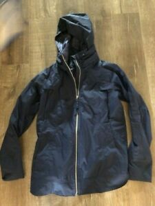 Lululemon Fo Drizzle Jacket size  6 Navy Blue Rainbow zipper