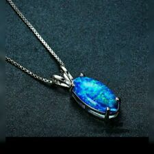 **NEW** FABOULOUS BLUE FIRE OPAL PENDANT & 18 INCH SILVER CHAIN.. (UK SELLER)