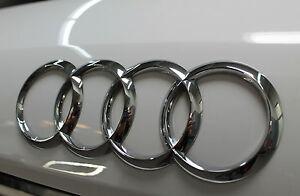 Original Audi A4 Avant  Audi Ringe Audi Zeichen  für hinten 8K9853742 2ZZ