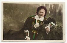 RUSSIE Russia Théme Types russes costumes personnages femme coiffe costume