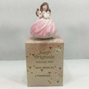 Applause Josef Original Mini Musical Valentine Angel Figurine