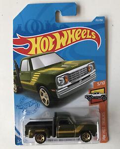 2021 HOT WHEELS #212 - Dodge Lil Red Express Truck (Treasure Hunt - Long Card)