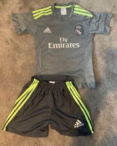Real Madrid FAN Football shirt & shorts, Ronaldo 7, Youth Medium