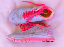 WOMENS NIKE FREE 4.0 V2  GREY/PINK TRAINERS SIZE: 5.5 US GC