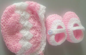 Hand crochet 0-3 months hat bonnet and shoes girls ,pink /white