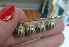 Muñecas 1:6.Barbie,.Lote 4 bolas sueltas de Navidad 6 mm. RALLA ORO