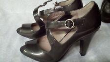 Women's Gray Silver Metallic Green Nine West Heels Size 5 rosarioo