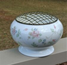 Wedgwood England Large Bone China Rose Bowl / Vase & Metal Frog *Rosehip Pattern