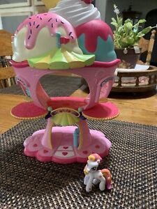 My Little Pony 1 Ponyville Pony & Sweet Sundae Ice Cream Shop Lot