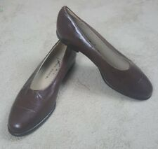 Vintage Aka Eddie Bauer Women's Slip On Flats Loafers sz 6.5 Brown Leather Italy