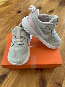 Baby Toddler Girl Genuine Nike Revolution 5 Trainers Size 6.5 Boxed Pink Grey
