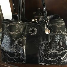 Coach signature stitched patent Leather Purse kisslock carryall Handbag F19215