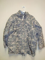 ARMY ISSUED ACU GEN II GORETEX COLD WEATHER JACKET LARGE REGULAR NWT