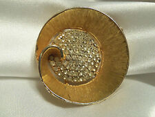 INCREDIBLE Vintage Brush Gold Rhinestone Crystal Encrust Center Brooch 13EBR268