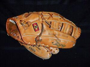 "Easton Black Magic Series EX531 Baseball Glove Mitt 13"" RHT Leather - Awesome!"