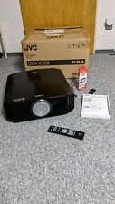 JVC DLA X35B, FullHD HighEnd Heimkino-Beamer in schwarz inkl. 3D Zubehör