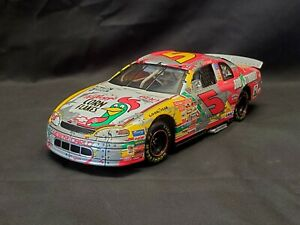 NASCAR diecast 1/24 scale #5 TERRY LABONTE Kellogg's Iron Man 1998 Monte Carlo