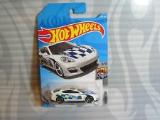 2018 HOT WHEELS ''HW METRO'' #303 = PORSCHE PANAMERA = WHITE  ,int  POLICE CAR