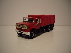 DCP FIRST GEAR 1/64 RED CAB RED BOX CHEVY C65 TANDEM AXLE GRAIN TRUCK