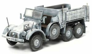 Dragon Armor Kfz.70 6x4 Personnel Carrier Winter Camouflage 1:72 Scale 60501