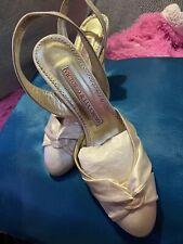 Zapatos de Victorio y Luccino para novia o fiesta