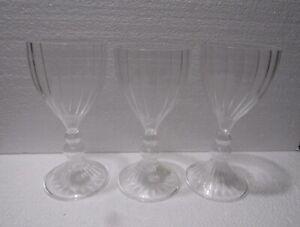 Crate and Barrel Lisette Wine glass 11 oz Venetian Glass Repro Stem Glasses