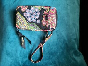 Vera Bradley Nwt Symphony in Hue All in One Wristlet Rare
