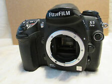 Fuji S5 Pro Digital Camera , Only 11400 shutter actuations very low