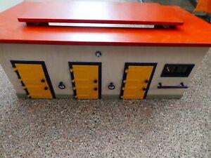 Schleich Reitstall  40164 Holzstall Stall Pferdestall top Zustand Reiten