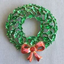 Holiday Wreath Green and Red Pin Brooch - Gold tone