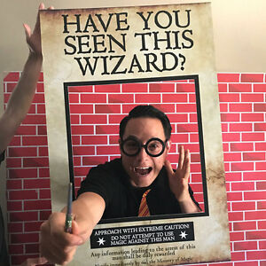 Have You Seen This Wizard? (60 x 90 cm) Photo Booth Frame Prop