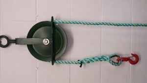 Gin Wheel with Rope 25M of 18mm Polysteel Rope and 1.5 Ton Swivel Hook-Roofing