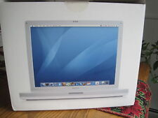 APPLE Ibook G4, a full featured notebook computer  14 inch screen