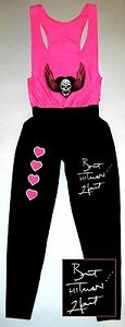 """Bret """"Hitman"""" Hart Signed Pink and Black Fullsize Wrestling Outfit ASI Proof"""