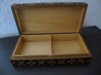 ancienne boîte ou coffret en bois Pologne