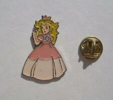 Nintendo Super Mario Princess Peach Retro Rosa Esmalte Metal Pin Insignia Pines Nes