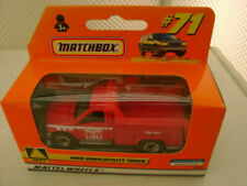 Camions miniatures utilitaire rouges